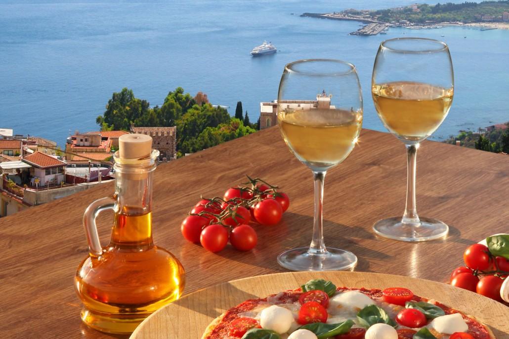 God mad og vin er en perfekt afslutning på en dags møder
